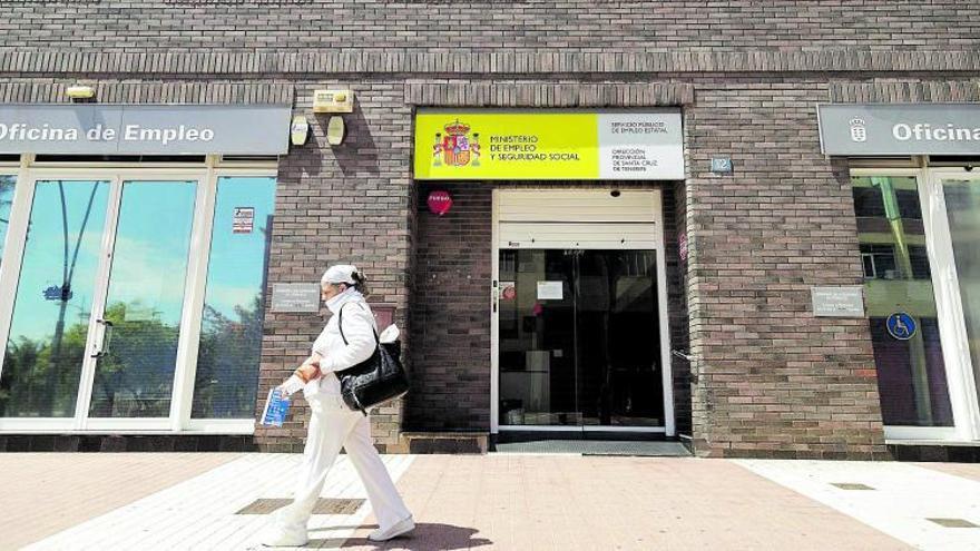 La parálisis económica deja 350.000 contratos sin firmar en el Archipiélago