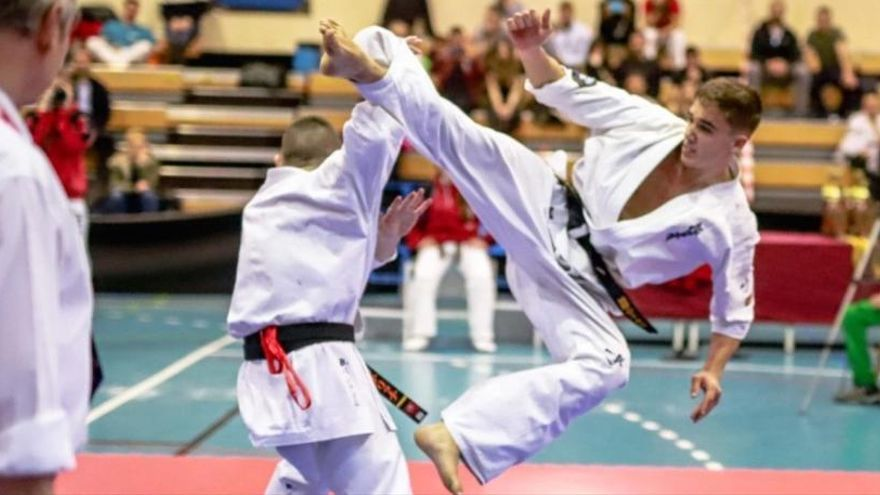 Hugo Cruz, segundo en el nacional shinkyokushinkai sub'21