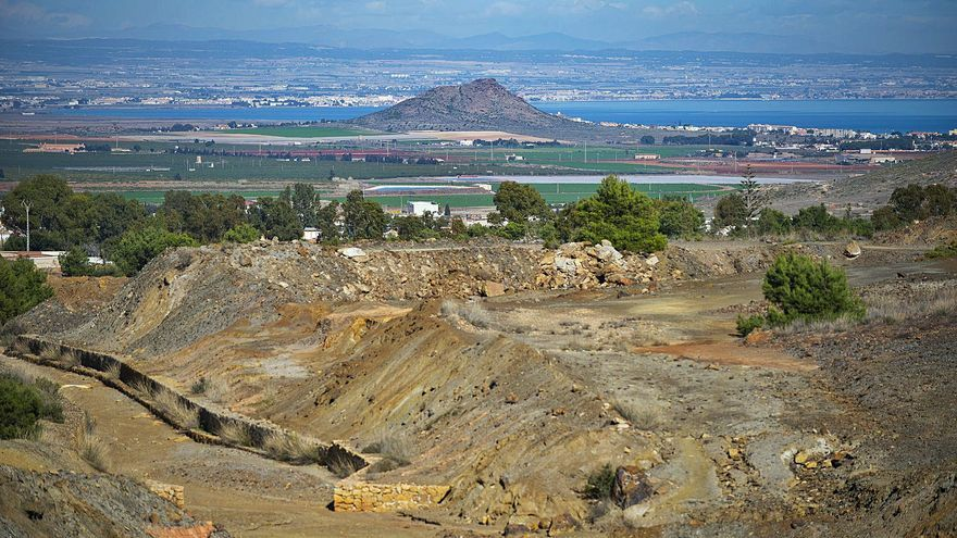 La restauración de las ramblas mineras frenará mil millones de litros con metales pesados