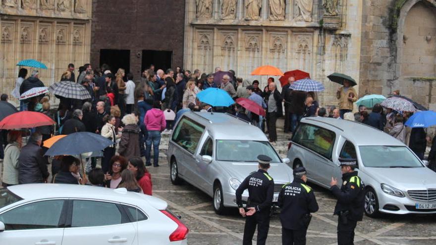 Xavier Sanllehí rep un multitudinari comiat a la basílica de Castelló