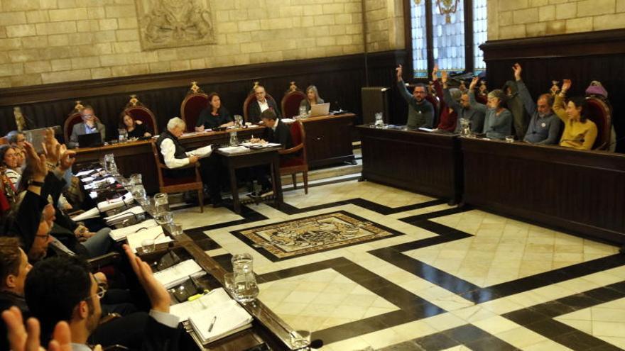 Un codi ètic regularà els regals, viatges i les xarxes socials dels regidors i assessors de Girona