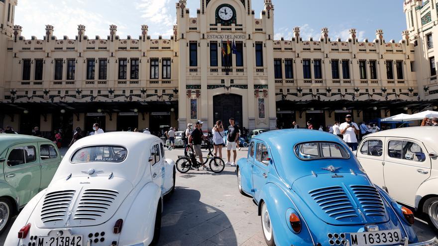 Los clásicos Renault toman la Estación del Norte
