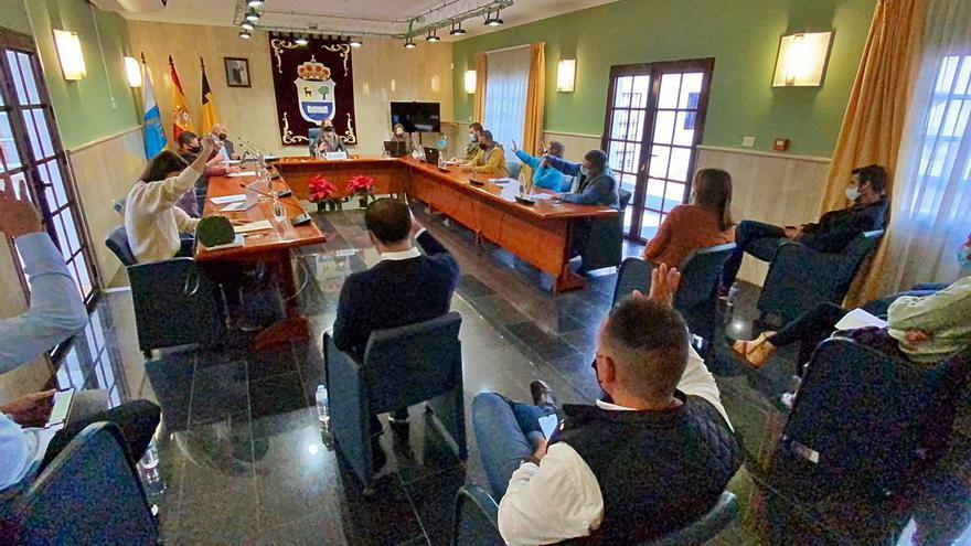 La Oliva reclama las competencias en Costas para salvar el hotel Oliva Beach