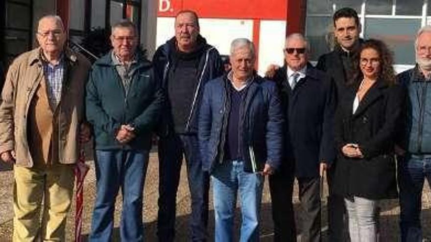 Los aficionados visitan Mareo para organizar el día de las peñas en Mieres