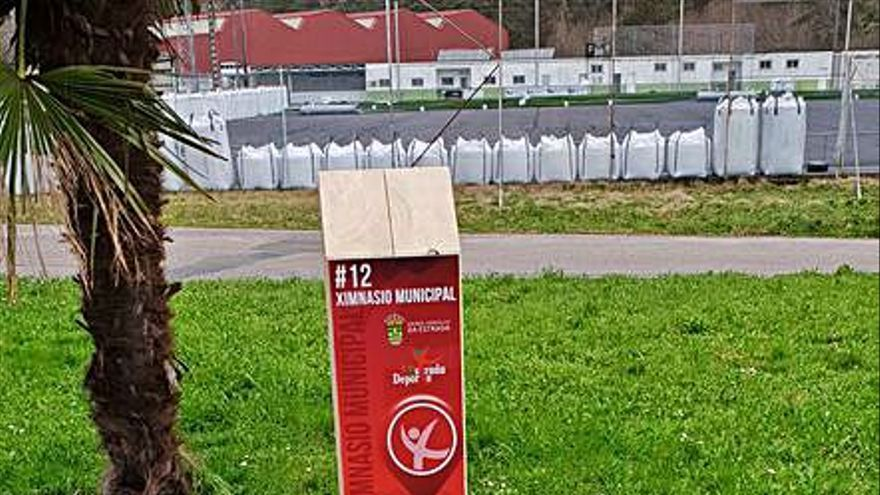 Nueva señalización para la zona de deportiva de A Estrada