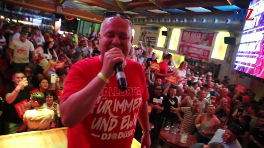 DJ Düse überrascht mit Heiratsantrag beim Ballermann-Closing