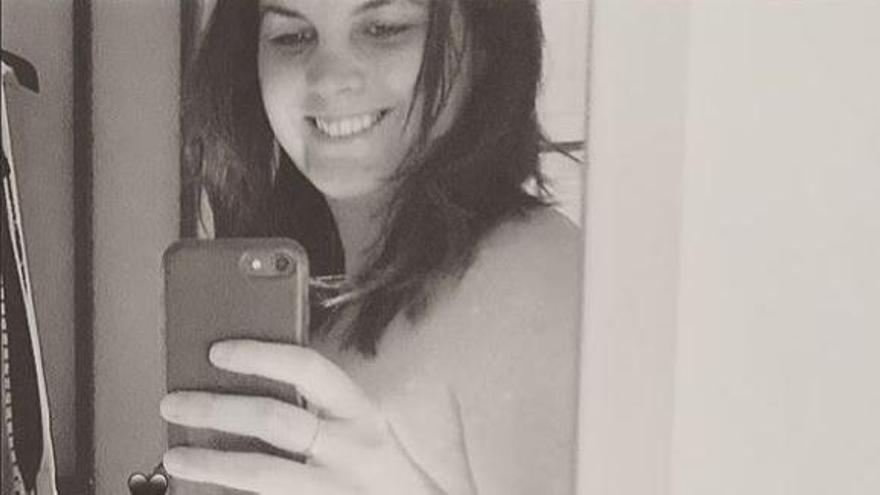 Sandra Gómez presume de embarazo con motivo del 8M