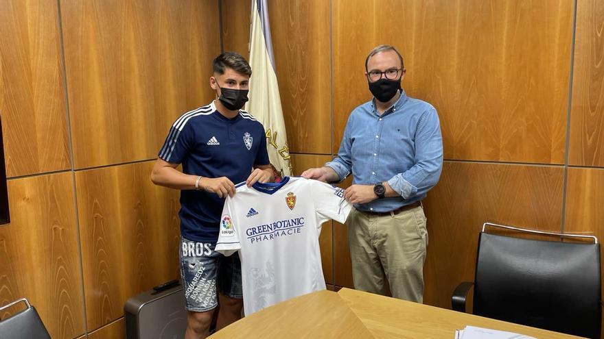 El Real Zaragoza hace oficial el fichaje de Borja Sainz
