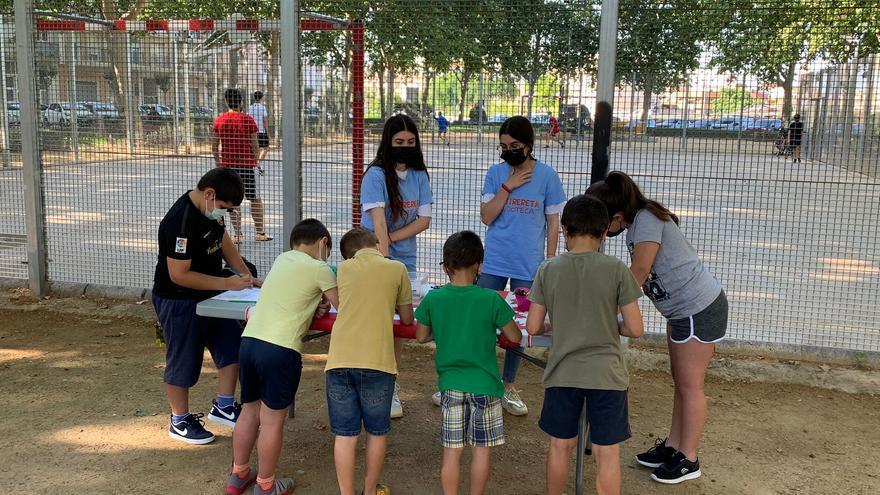 Los niños eligen cómo será el parque de Plaça del Furs de Catarroja