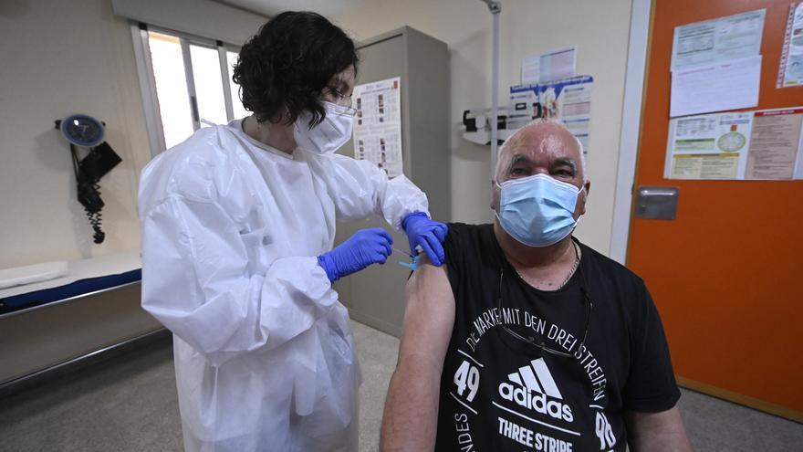La paralización de la llegada de Janssen frenará de nuevo el ritmo de vacunación