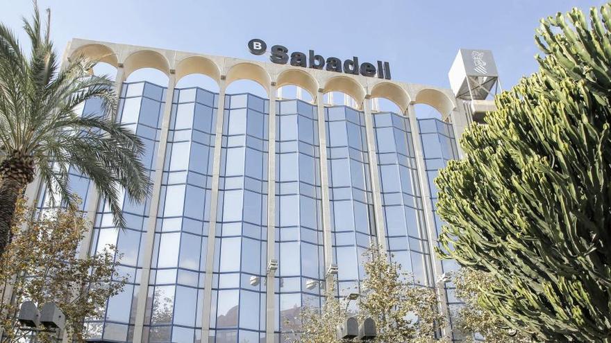 Banco Sabadell aprueba la salida de 1.817 trabajadores en España