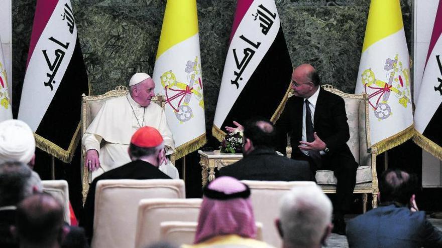 El Papa arriba a l'Iraq: «Era un deure visitar aquesta terra martiritzada»