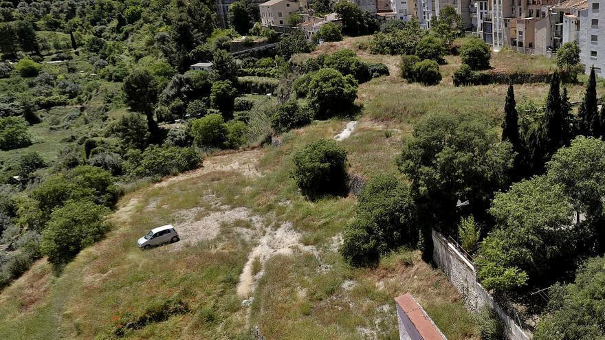 Alcoy compra otro terreno para ampliar a 300 plazas el futuro parking de La Riba