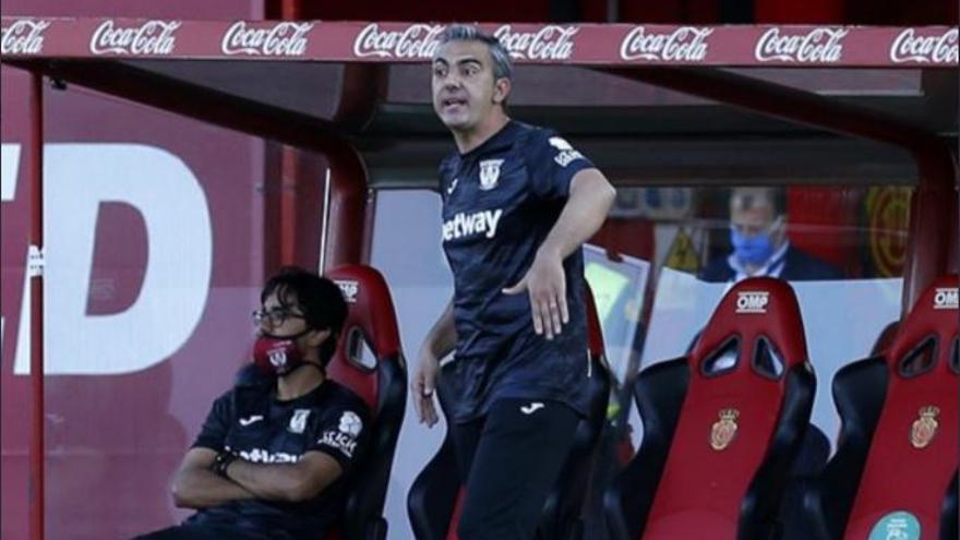 Toni Amor tomará el mando de los Rayados de Monterrey tras la sanción a Aguirre
