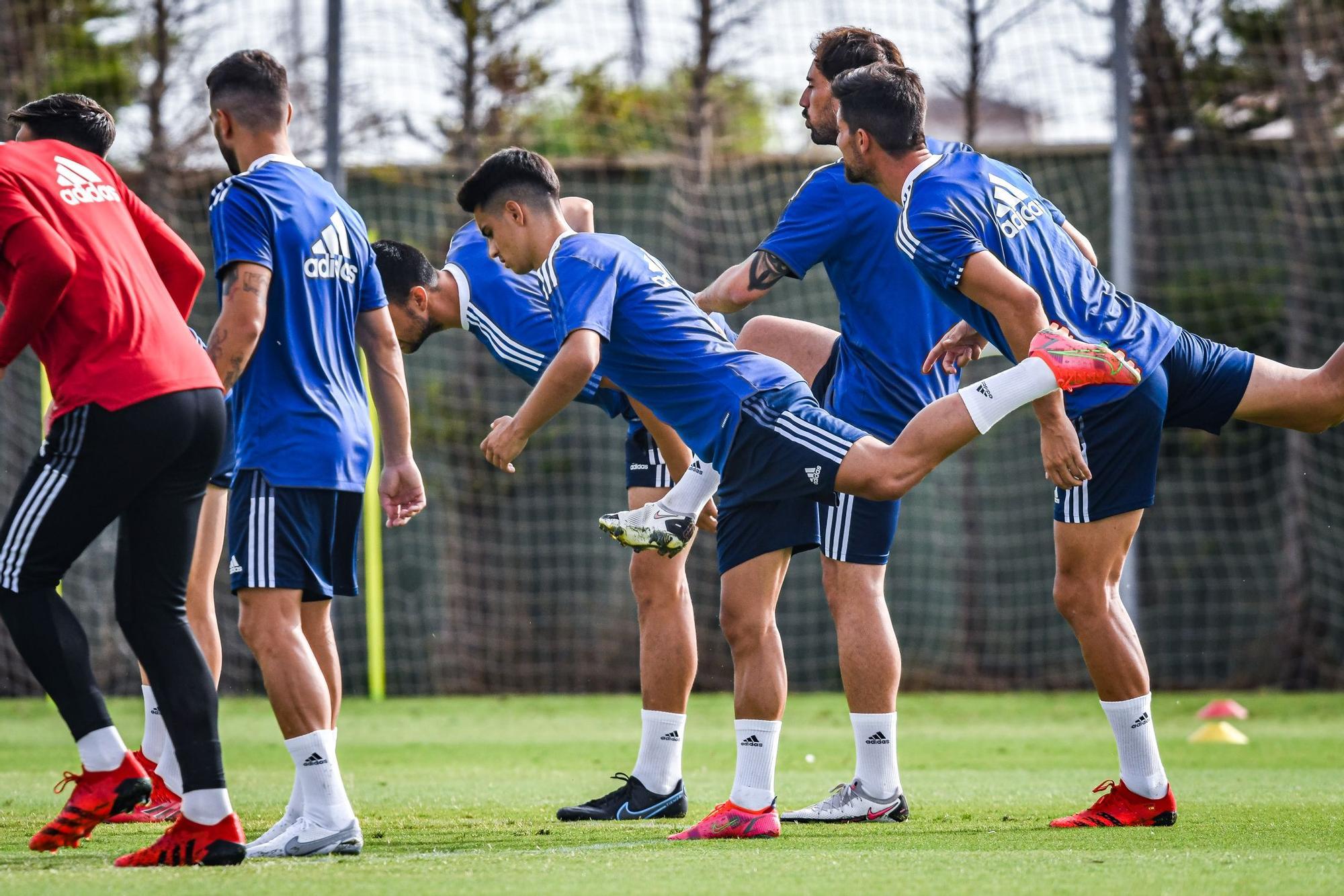 Segundo entrenamiento del Real Zaragoza en las instalaciones del las instalaciones de Pinatar Arena