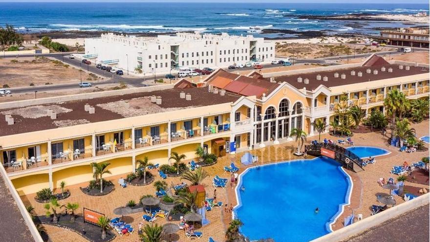 El hotel Coral Cotillo Beach abre sus puertas en julio después de la reforma integral