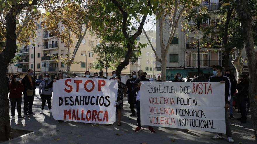 Manifestación contra los desahucios en Son Gotleu.