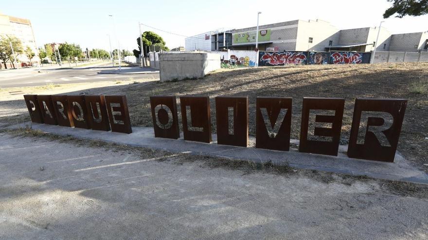 Unos traficantes de hachís tratan de atropellar a sus compradores en un parque de Zaragoza