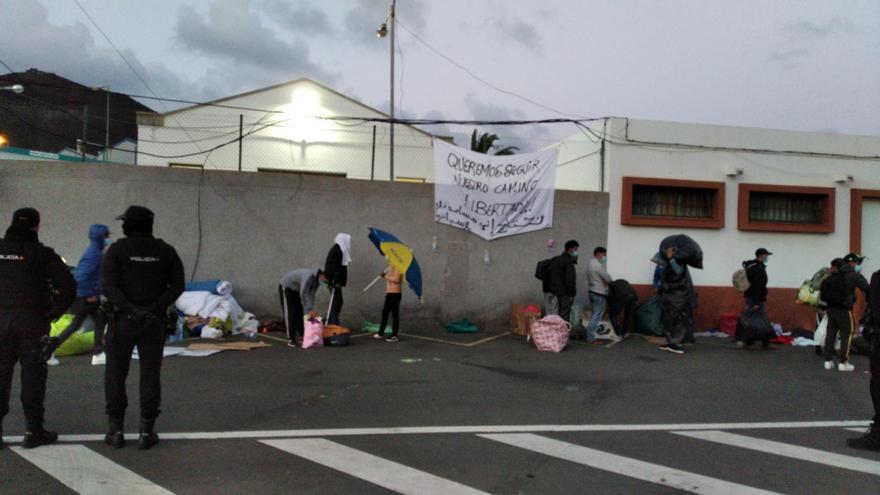 Protesta de migrantes en el centro Canarias 50