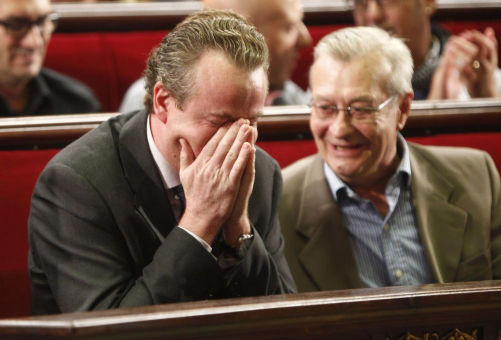 17 de octubre de 2012. Ignacio Vilana, presidente de Isabel la Católica, se pone a llorar en el hemiciclo del ayuntamiento.