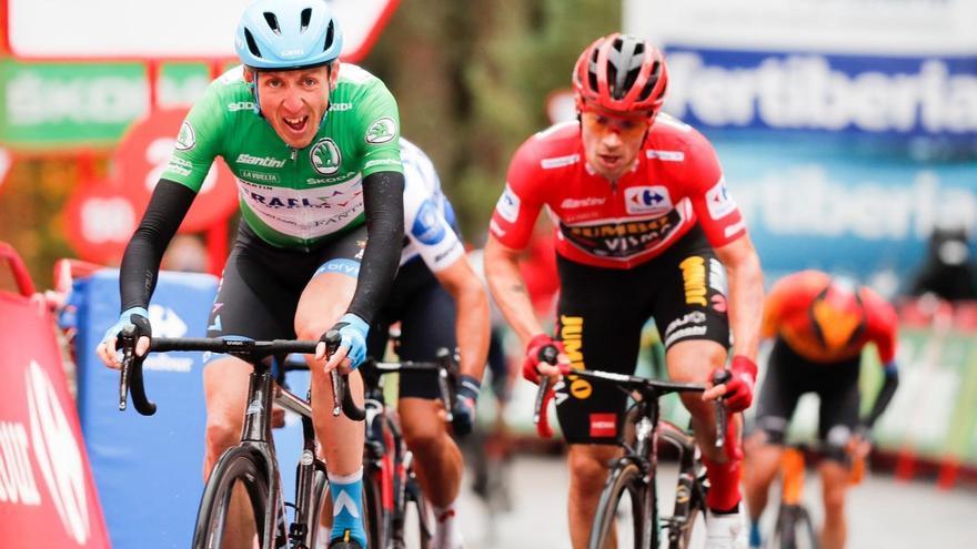 La Vuelta presenta los maillots de los líderes de la ronda 2021