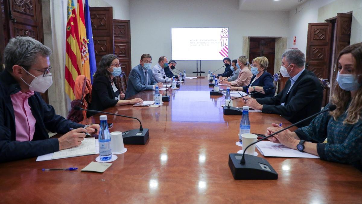 La Comisión Interdepartamental sobre el covid-19 de la Comunitat Valenciana se reunió ayer por la mañana para acordar las nuevas restricciones.