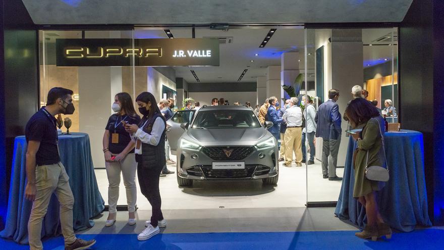 Cupra J. R. Valle estrena el concepto CUPRA City Garage en España