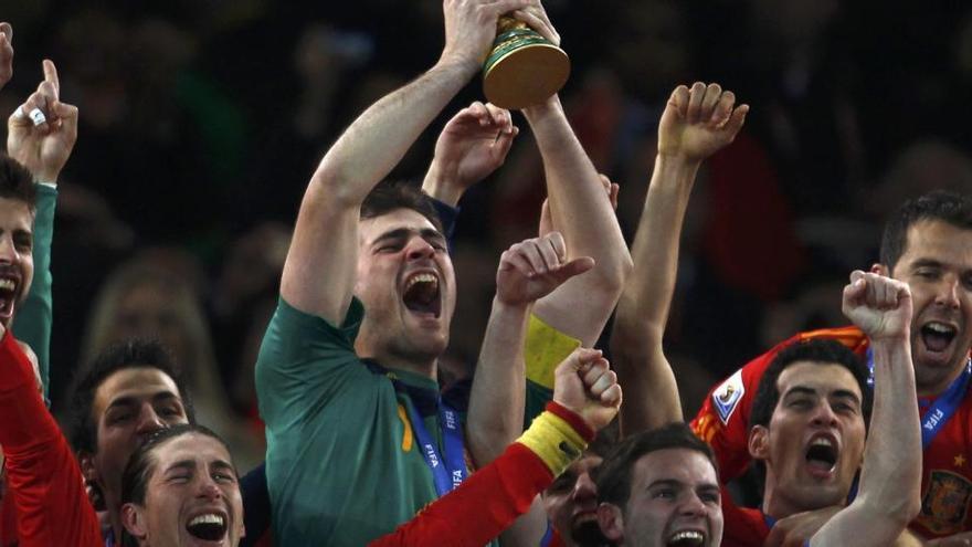 Casillas, icono del Madrid y de la mejor selección española