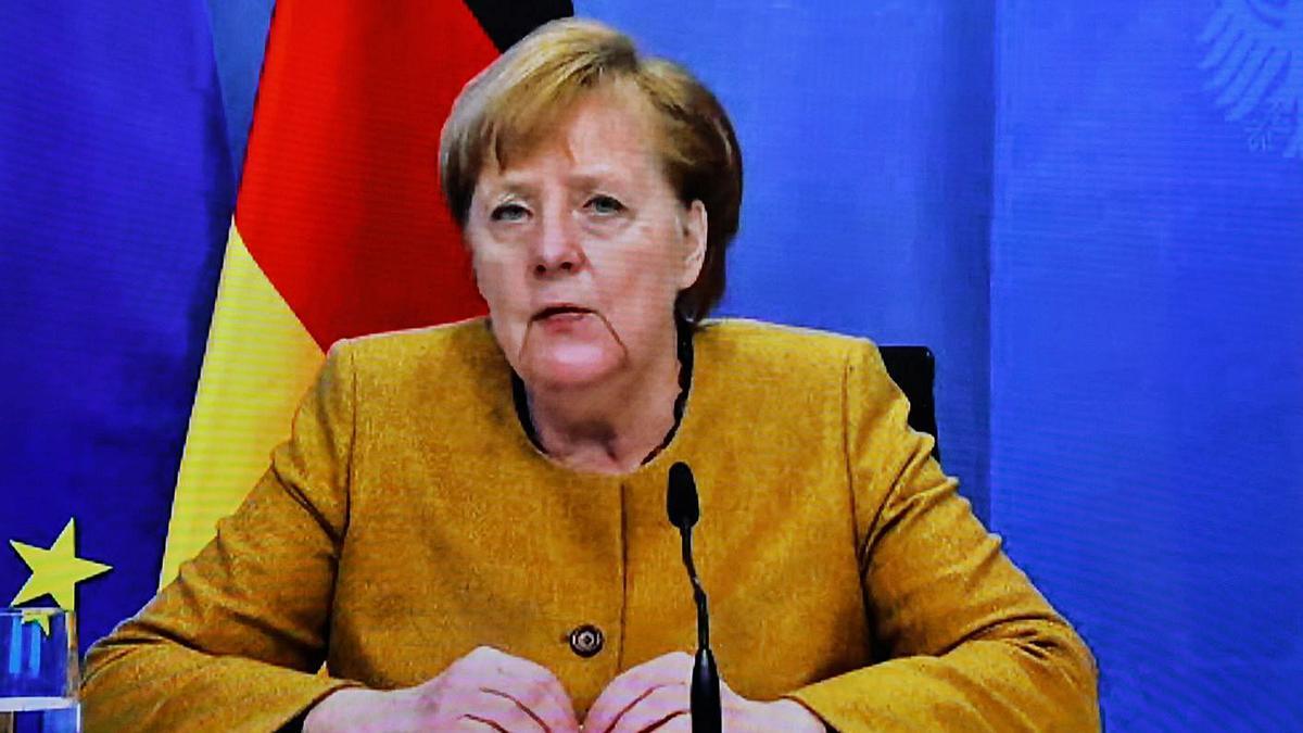 Angela Merkel, durante una videoconferencia.     // L. MARIN