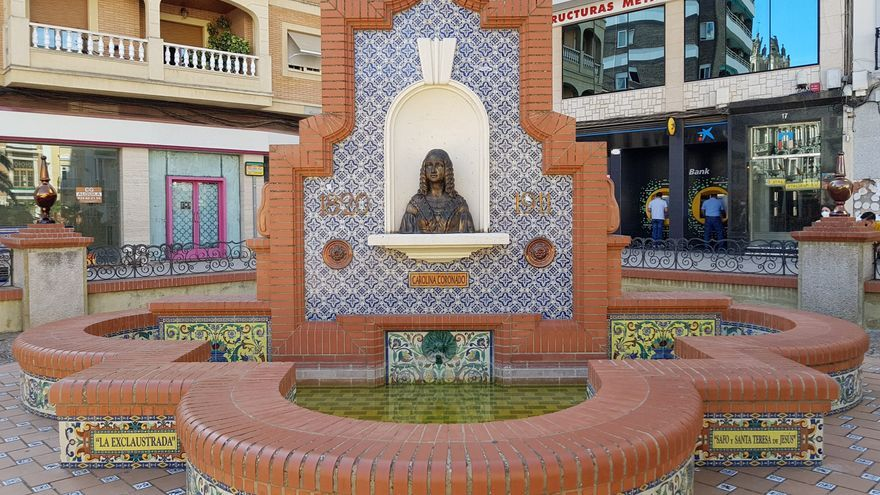 Adecentan y reparan elementos del parque José de Espronceda de Almendralejo