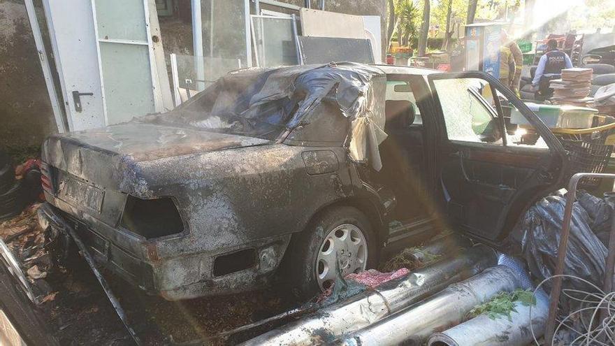 Una barbacoa acaba amb un vehicle i vegetació cremats a Blanes