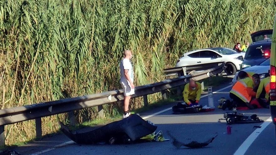 Detingut per homicidi imprudent el conductor del cotxe implicat en la mort de dos ciclistes al Papiol