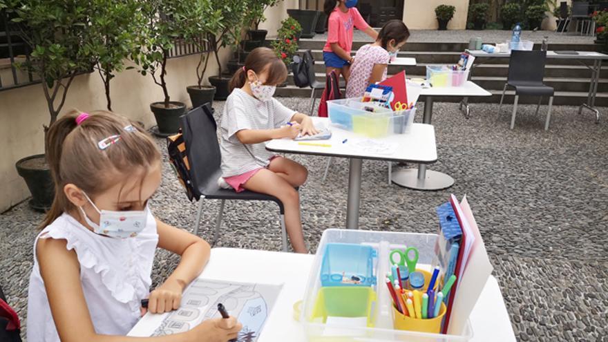 El arte dialoga con la tecnología y la ciencia en los talleres del Museo Picasso de Málaga