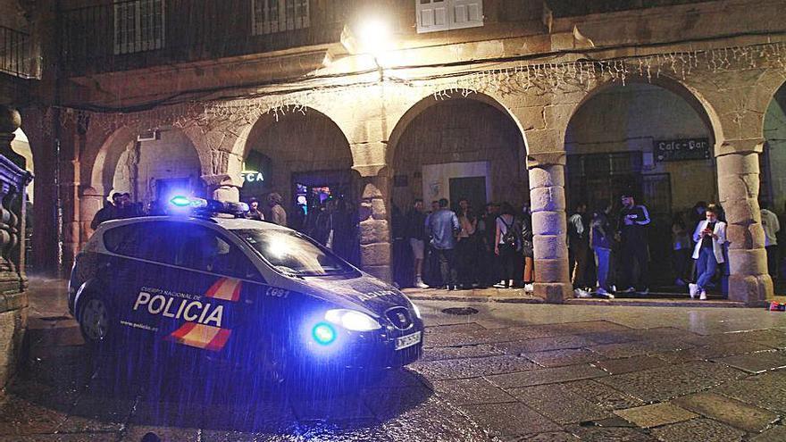 Viernes con conatos de pelea, lanzamiento de botellas a la policía y quejas por ruidos