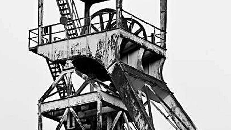 Luis Hernando capta la delicadeza del paisaje industrial en sus fotografías