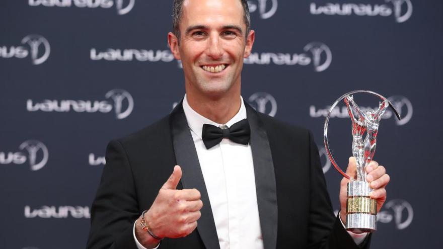 Roger Federer hace doblete en los premios Laureus