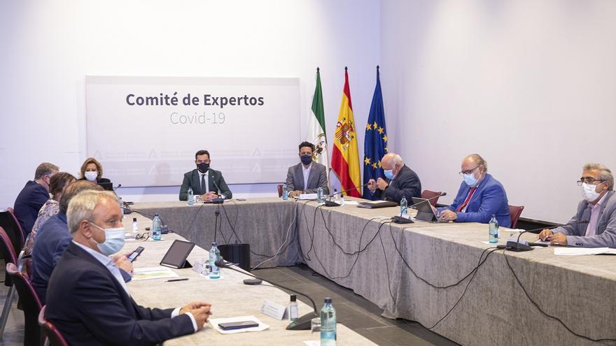 """Moreno anuncia """"la vuelta a la normalidad"""" sin restricciones de la mitad de Andalucía desde el viernes"""