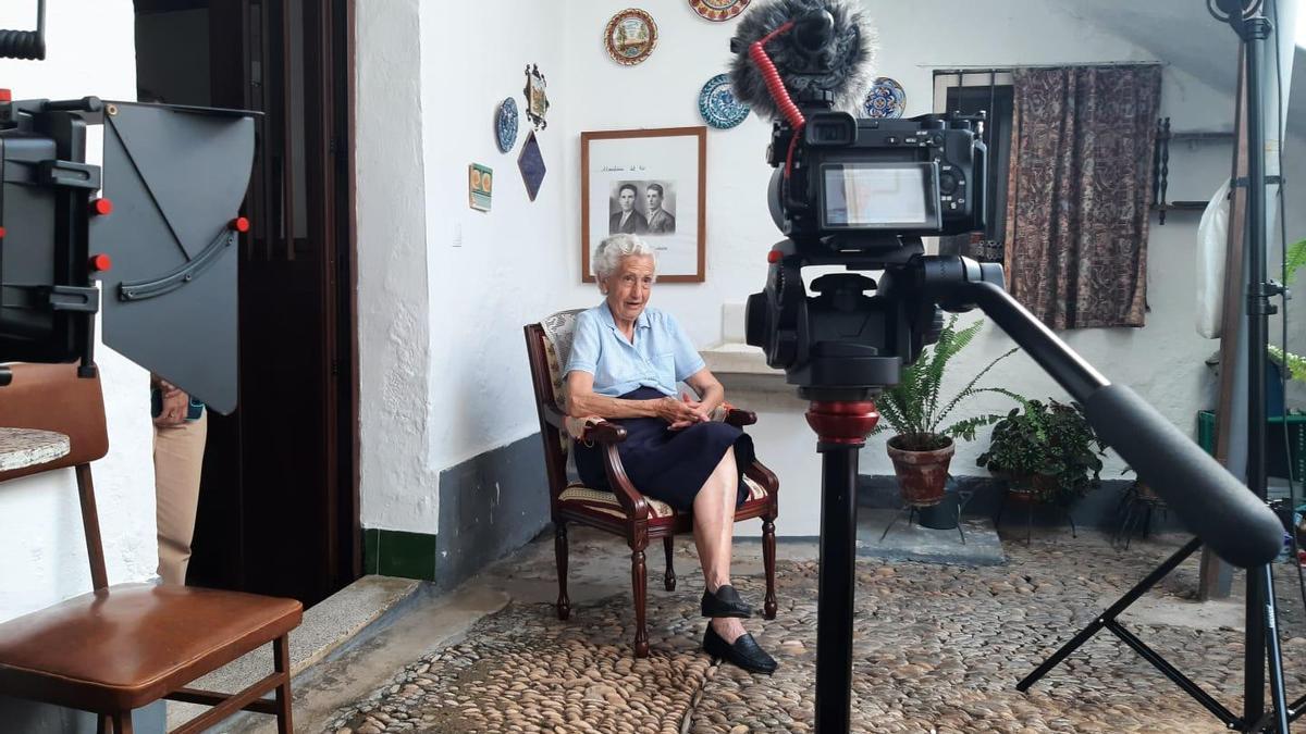 María Alba es una de las personas que dejan su testimonio en el reportaje.