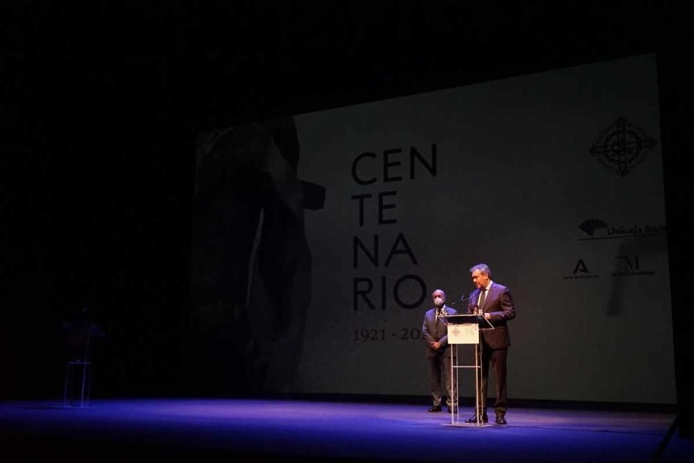 La Agrupación de Cofradías de Málaga presenta su centenario a los cofrades andaluces