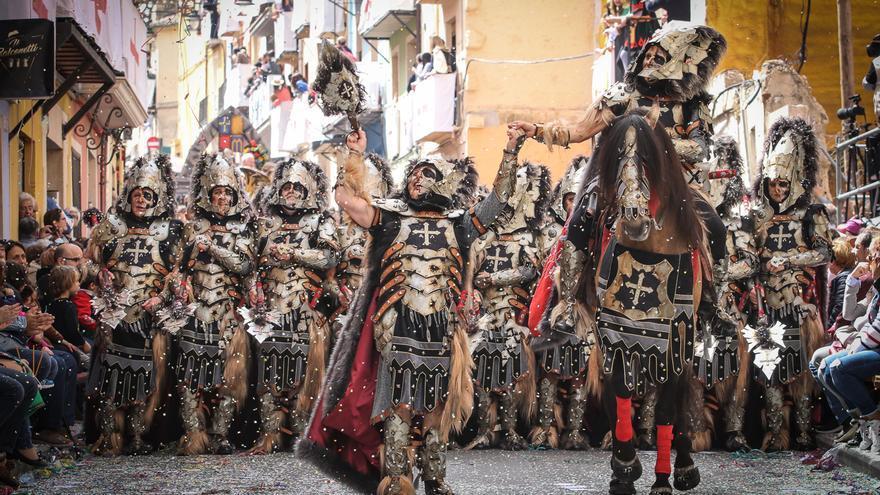 El Ayuntamiento de Alcoy apoya la propuesta del Casal de ampliar a cuatro días las próximas Fiestas de San Jorge