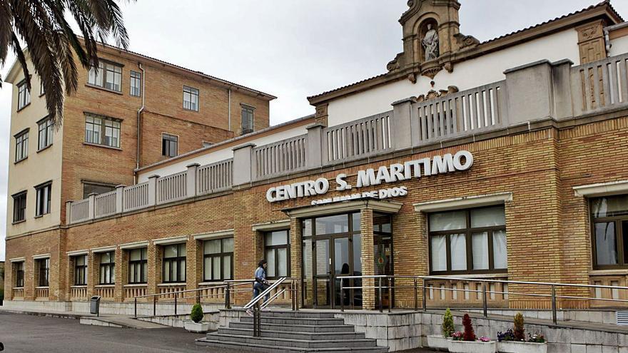 El Sanatorio Marítimo de Gijón comienza a evacuar residentes para atajar su gran brote de coronavirus