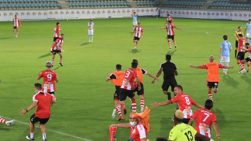 Pitido final en el Zamora CF-Segoviana.