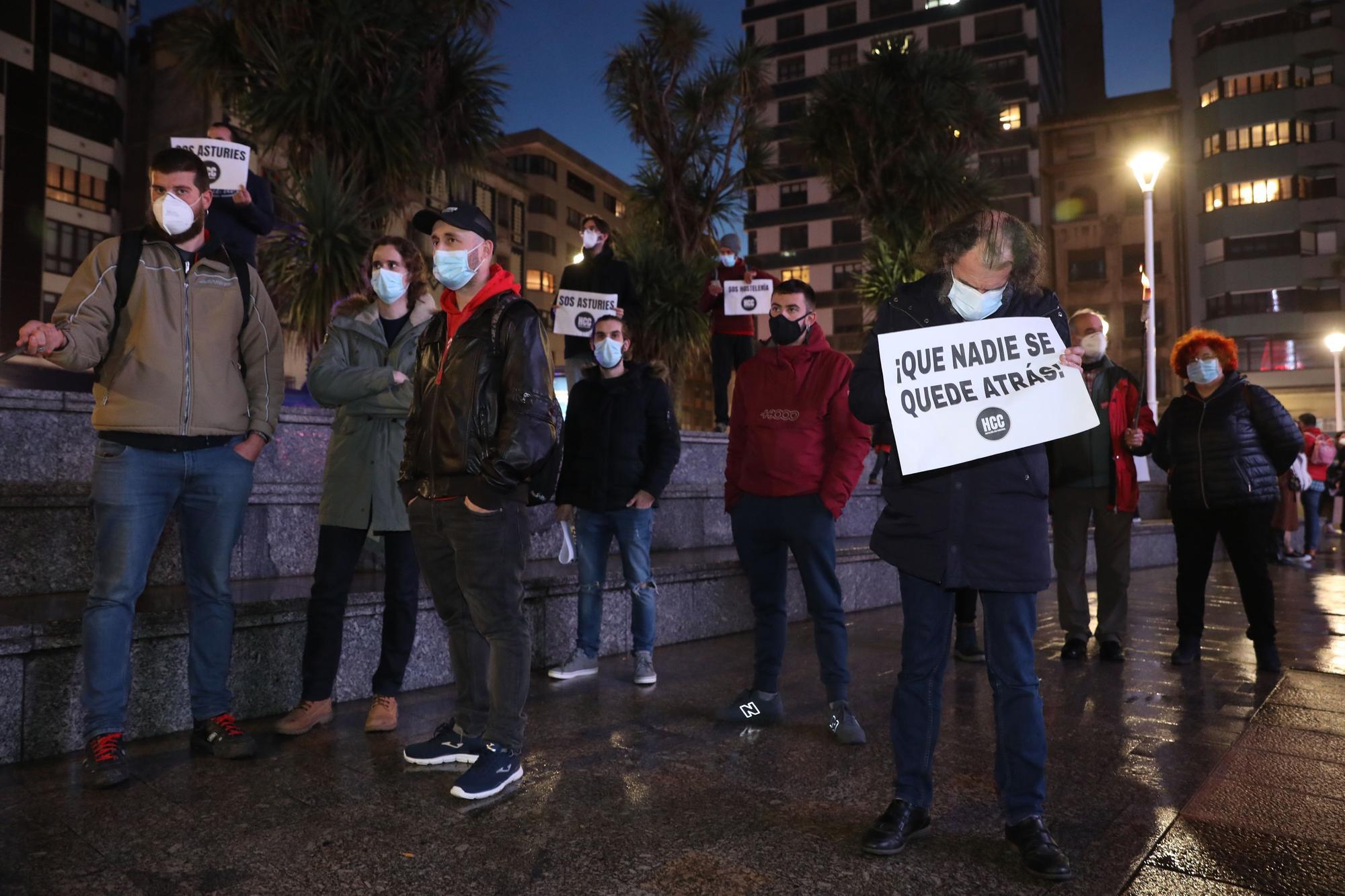 Concentración de hosteleros en el Náutico en Gijón