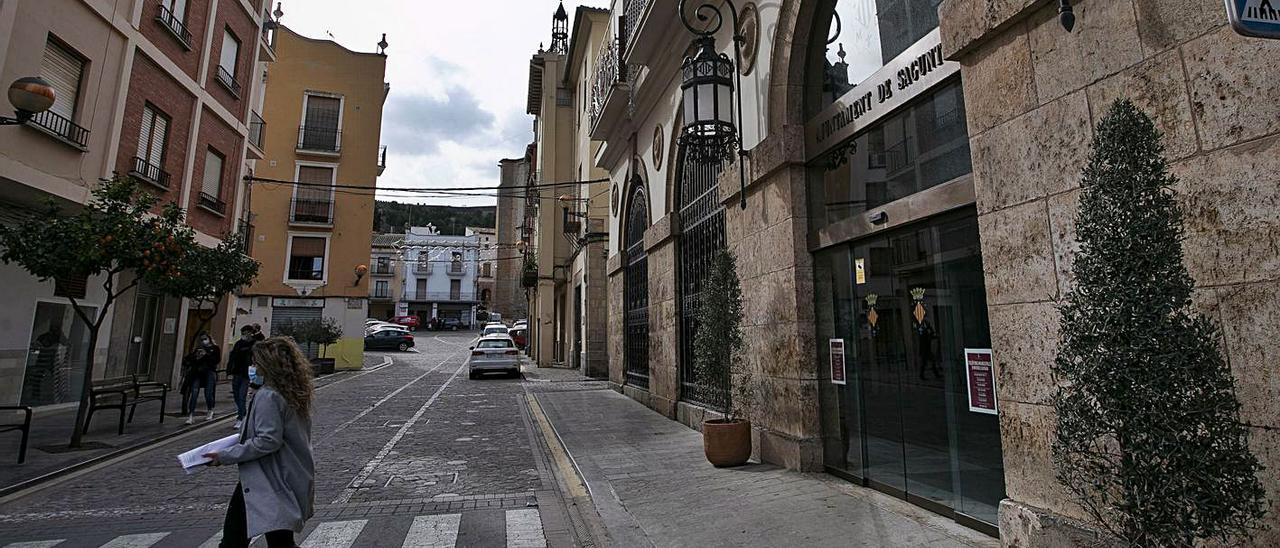 Imagen de archivo de la fachada del Ayuntamiento de Sagunt. | DANIEL TORTAJADA