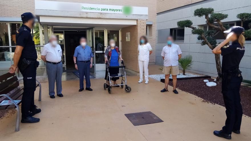 Detienen en Alicante a un hombre de 51 años por estafar más de 2.500 euros a su abuela de 99 años