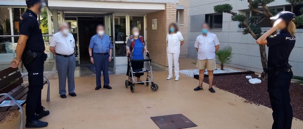 Imagen de archivo de la Policía Nacional en una residencia de ancianos