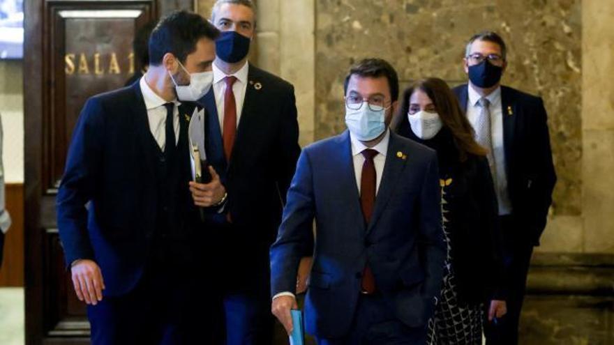 El Gobierno catalán y los partidos acuerdan aplazar al 30 de mayo las elecciones