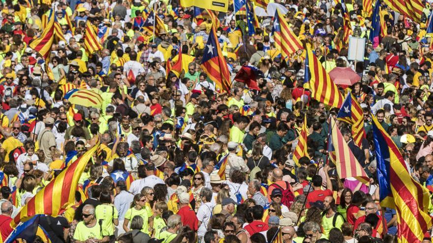 Al voltant d'un milió de persones es manifesten en la 'Diada del Sí'