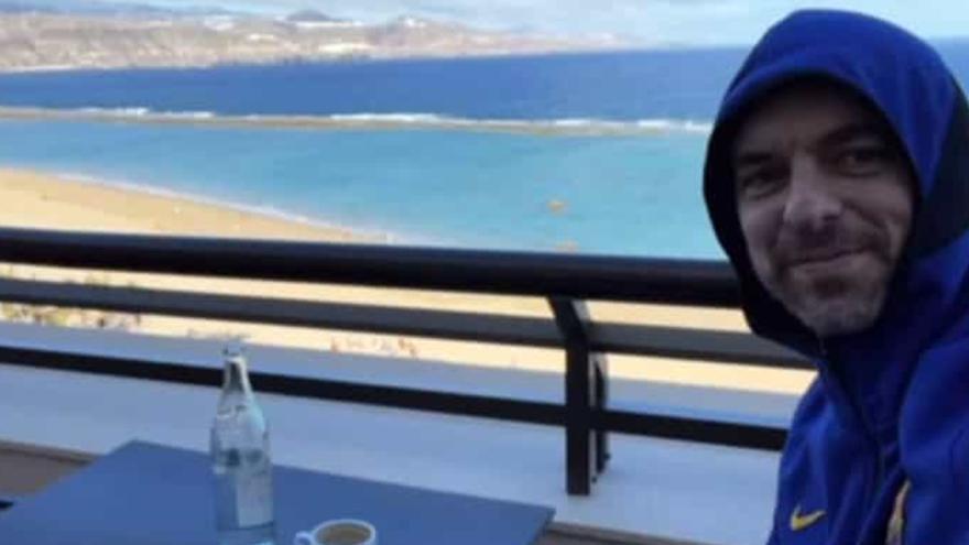 Pau Gasol disfruta del desayuno en Las Canteras