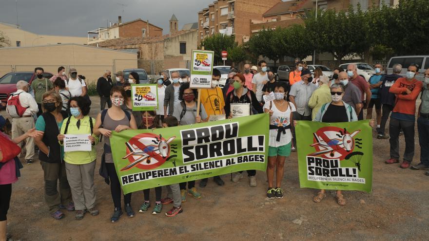 Protesta de l'associació Prou soroll per recuperar el silenci al Bages